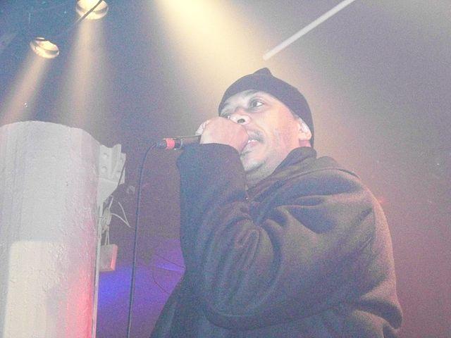 Datei:U-God performing in Atlanta.jpg