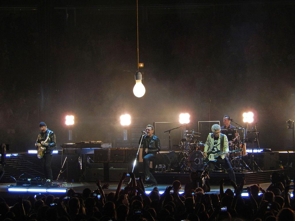 File U2 Under Lightbulb At United Center Chicago June 25