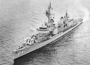 USS Robert L. Wilson (DD-847) underway in 1964