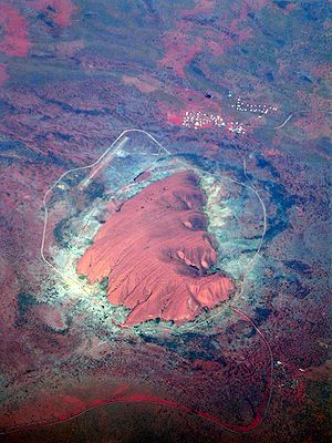 Deutsch: Luftansicht Uluru (Ayers Rock) , Aust...