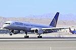 United Airlines Boeing 757-222 N588UA (cn 26717-571) 5688 (5773132974).jpg
