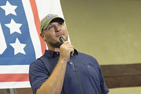 Urlacher-troops-2014.jpg