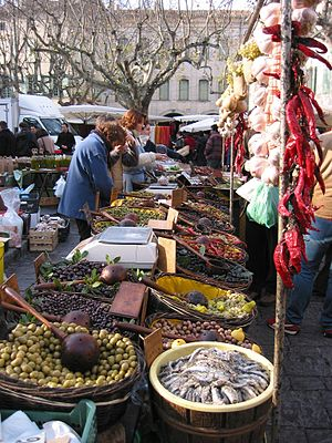 Uzès - Farmers market.