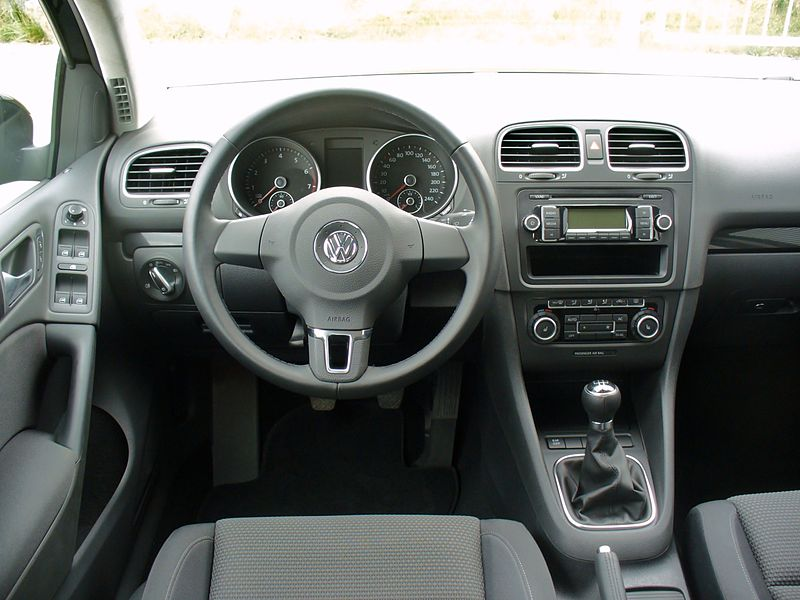 datei vw golf vi 1 4 comfortline deep black interieur jpg wikipedia. Black Bedroom Furniture Sets. Home Design Ideas