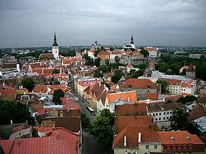 Vaade Oleviste tornist 2004.jpg