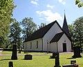 Vads kyrka från väst.jpg