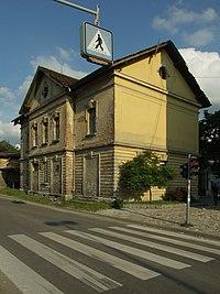 Valjevo, Železnička, budova bývalého nádraží.JPG