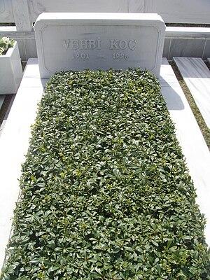 Vehbi Koç - Grave of Vehbi Koç at Zincirlikuyu Cemetery, Istanbul