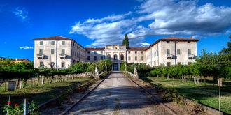 Villa costanza.jpg