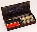 Vintage Valet AutoStrop Single Edge Safety Razor, Model VC1, Made In USA, Circa 1920s (28307510509).jpg