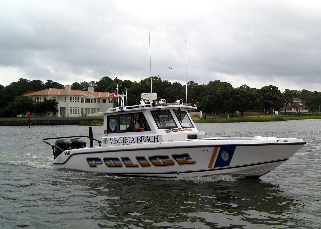 file virginia beach police department marine patrol unit hull number 146 jpg wikimedia commons. Black Bedroom Furniture Sets. Home Design Ideas