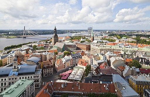 Vistas desde la iglesia de San Pedro, Riga, Letonia, 2012-08-07, DD 12