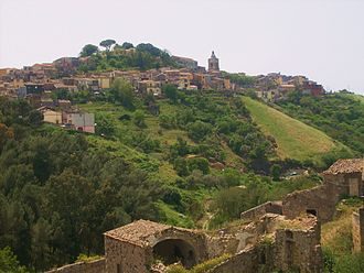 Vizzini - View of Vizzini from the valley below