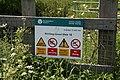 Warning sign - geograph.org.uk - 1065215.jpg
