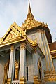 Wat Traimit Temple (8282532138).jpg