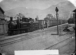 Workemen's train, Ffestiniog railway NLW3363957.jpg