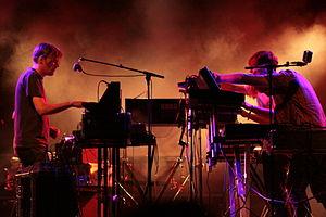 Yann Tiersen - Image: Yann Tiersen in concert, 2011