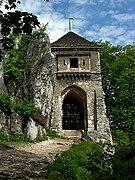 Zamek w Ojcowie - wieża bramna 07.jpg