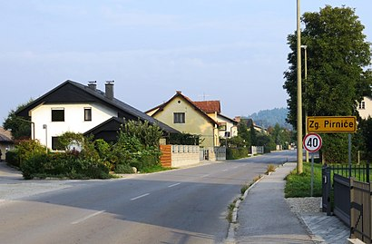 How to get to Zgornje Pirniče with public transit - About the place
