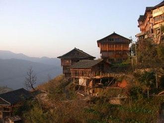 Zhuang customs and culture - Zhuang stilt houses
