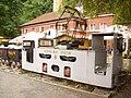 Zloty Stok lokomotywa przed kopalnia zlota.jpg