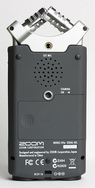 Zoom H4n Handy Recorder - Image: Zoom H4n Digital Recorder back P Nr°0429