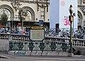 Édicule Guimard-Gare de Lyon-Bd Diderot.jpg