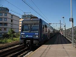 Île-de-France Transilien Z20998 RER C Issy Val-de-Seine.JPG