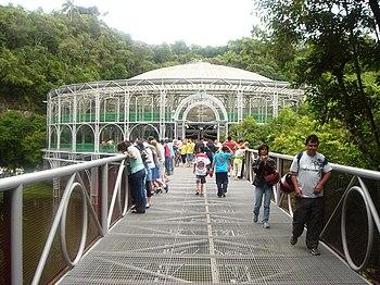 Puente de acceso.
