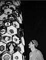 Алим Пашт-Хан у фарфоровой скульптуры АРУРА.jpg