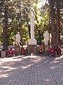 Братская могила 18 воинов, погибших в годы гражданской и Великой Отечественной войн (6).jpg