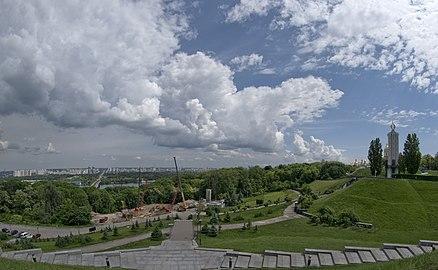 Парк Вічної Слави SC 0002.jpg