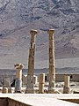 ستونهای باقی مانده از معبد خورهه.jpg