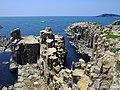 東尋坊と晴れ渡る越前の海 (Tojinbo) 08 Jun, 2013 - panoramio.jpg