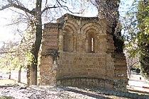 11 Madrid El Retiro ruinas ermita romanica lou.JPG