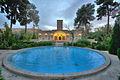 16 هتل مشیر الممالک نمایی از باغ.jpg