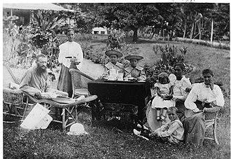Rabaul - 1890s photo of Parkinson family, Rabaul.