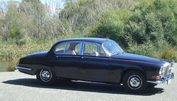 1967 Daimler Sovereign.jpg