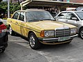 1976-1983 Mercedes-Benz 200 (12016709035).jpg
