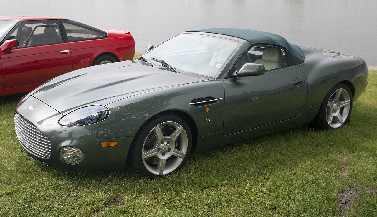 File 2003 Aston Martin Db7 Ar1 Umbrella Roof Front Left At Greenwich 2019 Jpg Wikimedia Commons