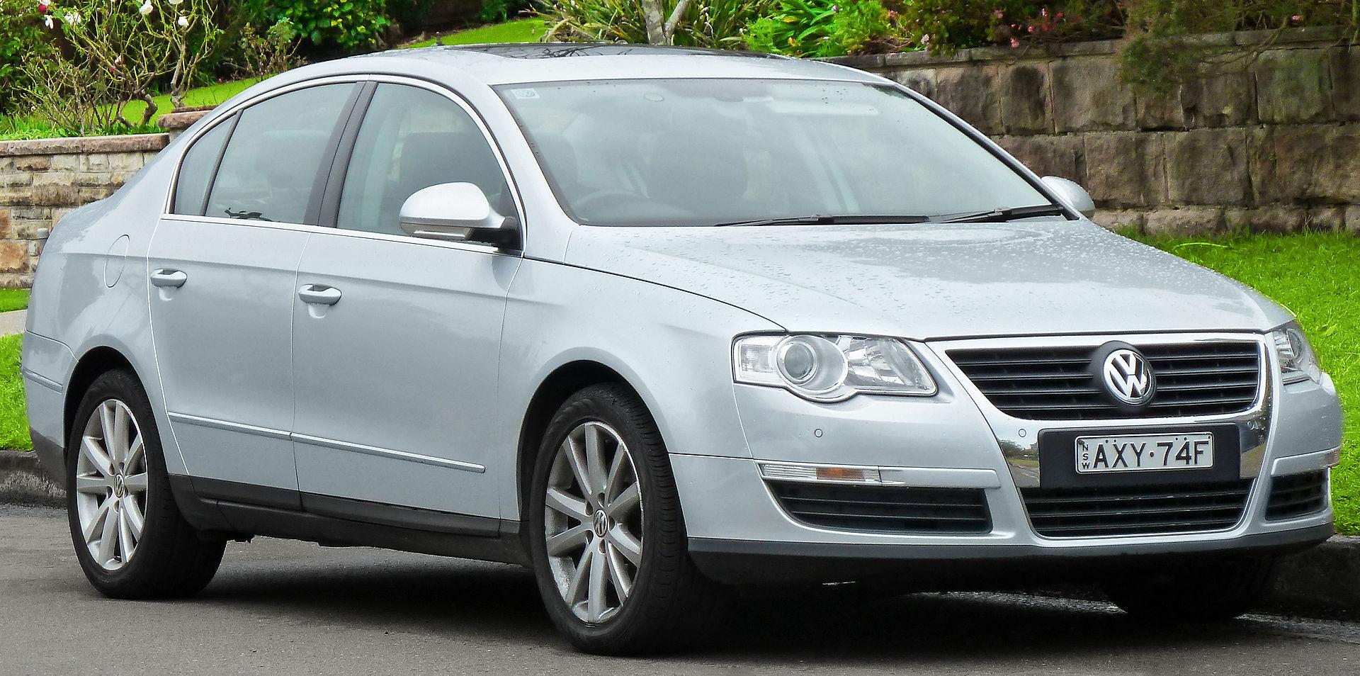 2006-2010 Volkswagen Passat (3C) sedan (2011-07-17) 01.jpg