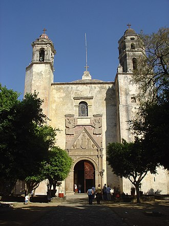 Monasteries on the slopes of Popocatépetl - View of the church façade of the monastery in Tepoztlan