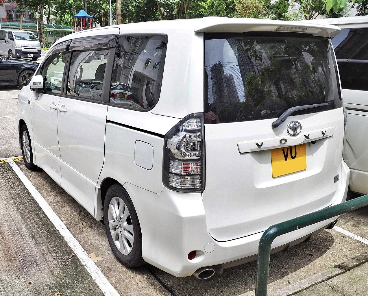 Kekurangan Toyota Voxy Harga