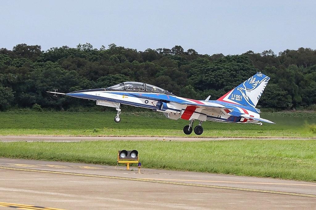 2020. 06.22 總統出席「空軍新式高教機首飛展示」 (50032419677).jpg