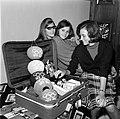 26.10.64 Françoise Borie à son retour de Tokyo (1964) - 53Fi682.jpg