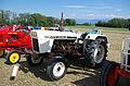 3ème Salon des tracteurs anciens - Moulin de Chiblins - 18082013 - Tracteur David Brown 990 - 1970 - gauche.jpg