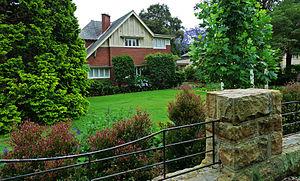 North Shore (Sydney) - Tudor revival home in Killara.