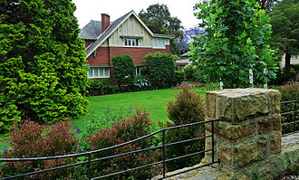 North Shore (Sydney) - Tudor revival home in Killara.