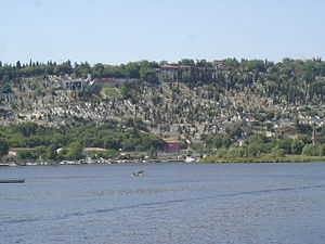 Eyüp Cemetery - Part of the Eyüp Cemetery seen from the eastern bank of the Golden Horn.