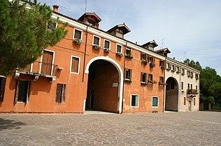 9079 - Venezia - Facciata palazzo della Marinarezza -1645- - Foto Giovanni Dall'Orto 10-Aug-2007.jpg